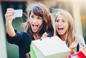 Chụp ảnh selfie thay mật khẩu khi mua hàng trực tuyến