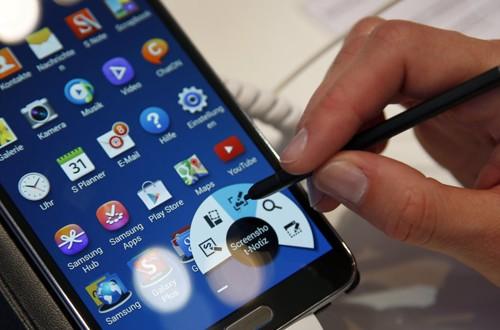 Samsung, Oppo bị kiện vì cài quá nhiều ứng dụng trên điện thoại