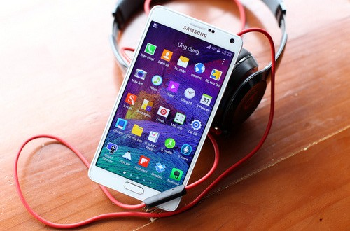 Những smartphone cao cấp giá tốt
