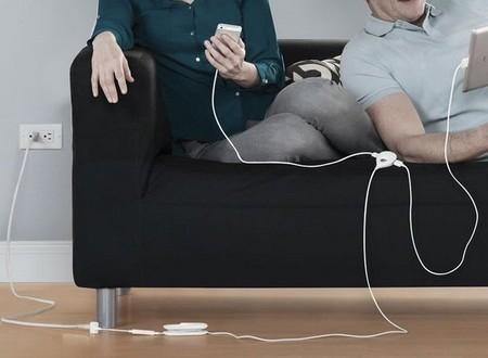 Vừa sạc pin vừa dùng điện thoại - Thói quen chết người